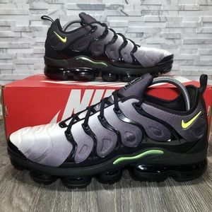 Nike Air VaporMax Plus Black & Volt Mens Size 13
